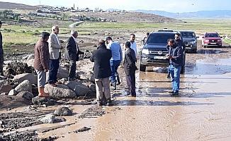 Çaldıran'da sel maddi hasara yol açtı