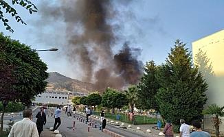 Gökyüzünü kaplayan dumanlar paniğe neden oldu
