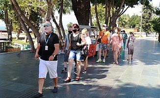 Kent merkezi aylar sonra ilk yabancı turist kafilesini ağırladı