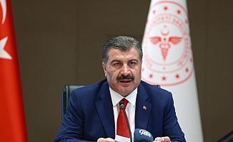 """Sağlık Bakanı Koca: """"Hastalığın gündemden düşmesi mevcut şartlarda mümkün görünmüyor"""""""