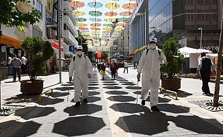 Şemsiye Sokak'taki iş yerleri dezenfekte edildi