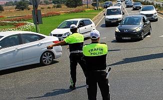 Trafik uygulamasında polise rüşvet teklifi