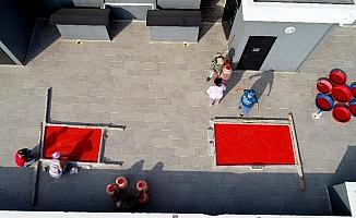 Adana'da salça sezonu başladı, damlar kırmızıya boyanıyor
