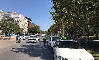 Alanya'da kurallara uymayan sürücüler polise takıldı