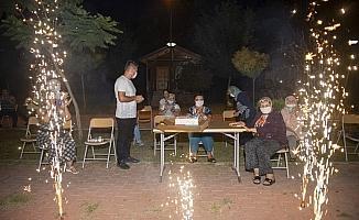 Büyükşehir Belediyesi gençlik kampı, yaşlı vatandaşları ağırladı