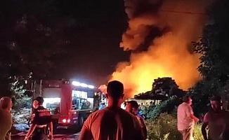 Bursa'da soğuk hava deposunda büyük yangın