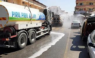 Büyükşehir ekipleri Karacasu sokaklarını dezenfekte etti