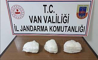 Gevaş'ta 6 kilo 705 gram metamfetamin ele geçirildi