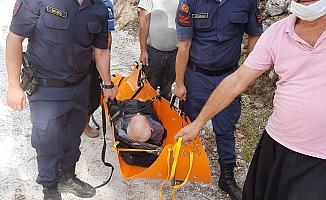 Alanya'da yaşlı adamı ölmek üzereyken  jandarma buldu!