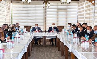 Başkan Kavuş, AK Parti Meram'ın yeni yönetimiyle bir araya geldi