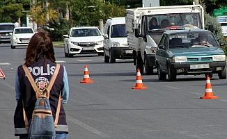Bayburt'ta trafiğe kayıtlı araç sayısı Eylül ayı sonu itibarıyla 15 bin 709 oldu