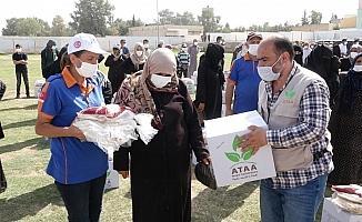 Kuveytli hayırseverlerden Suriye'ye 5 tır insani yardım