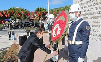 Muğla'da 29 Ekim çelenk sunma töreni ile başladı