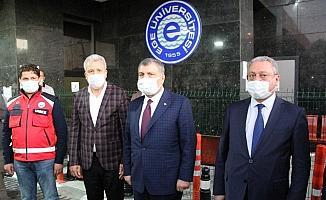 """Sağlık Bakanı Koca: """"35 kişi hayatını kaybetti, 243 kişinin tedavisi sürüyor"""""""