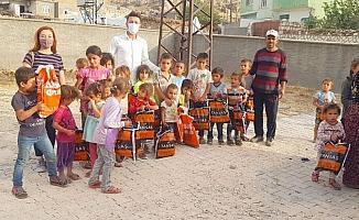 Tansaş giyim mağazaları, köy okullarındaki öğrencileri unutmadı