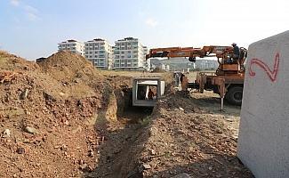 Turgutlu Belediyesi ekiplerinden üç ayrı noktada çalışma