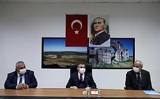 "Vali Atay ""Muhtarlar demokrasimizin temel taşı"""