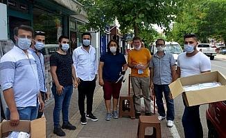 AK Parti Osmaniye Gençlik Kolları maske dağıttı