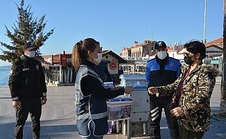 "Ayvalık Polisi'nden vatandaşlara ""KADES""  brifingi"