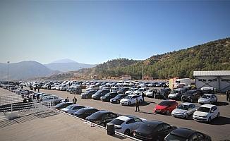 Korkuteli'nde ikinci el araba pazarı açıldı