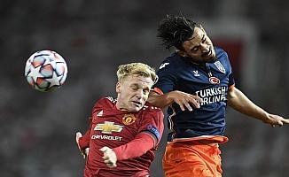 Şampiyonlar Ligi: Manchester United: 3 - Medipol Başakşehir: 0 (İlk yarı)