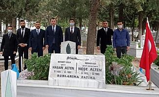 Tekirdağ Ülkü Ocakları Şehit Öğretmen Neşe Alten'i mezarı başında andı