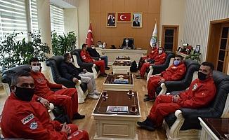 AKUT'tan Başkan Geylani'ye ziyaret
