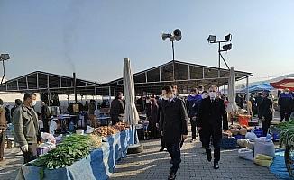 Kaymakam Akpay'dan semt pazarında koronavirüs denetimi