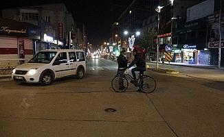 Van'da ilk hafta içi sokağa çıkma kısıtlanması başladı