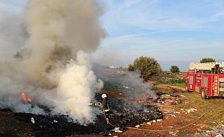 Antalya'da atık madde yangınını itfaiye söndürdü