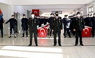 İzmir'de kısa dönem askerler yemin etti