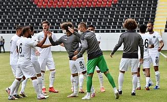 Namağlup tek takım olan Manisa FK galibiyet peşinde