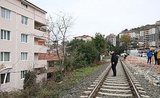 Tünel inşaatındaki patlatma sırasında evler zarar gördü