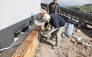 Balıkesir'de 85'lik Osman dede çalışkanlığı ile gençlere örnek oldu
