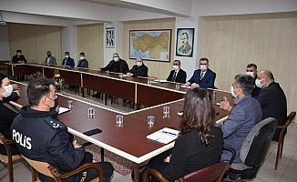 Gönen'de korona virüs tedbirleri toplantısı