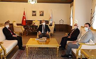KOP Başkanı Şahin, Belediye Başkanı Savran'ı ziyaret etti