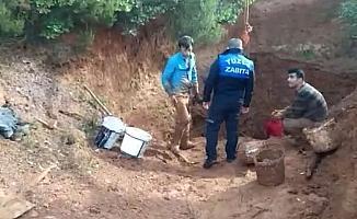 Tuzla'da kaçak kazı yapan defineciler suçüstü yakalandı