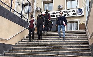 Yaşlı kadınları hedef alan sahte polisler yakalandı