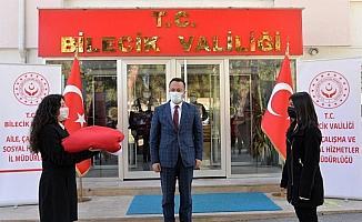 18 Mart'ta Çanakkale'de göndere çekilecek Türk bayrağı Bilecik'e ulaştı