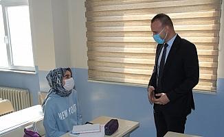 Ağrı Milli Eğitim Müdürü Tekin, Patnos ilçesindeki okullarda incelemelerde bulundu