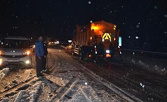 Alanya'dan Konya'ya gidecekler dikkat! Kar kalınlığı 20 santime ulaştı