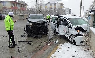 Aşı ekibi kaza yaptı: 4 sağlık görevlisi yaralandı