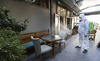 Aydın Büyükşehir Belediyesi yeniden açılan işletmeleri dezenfekte etti