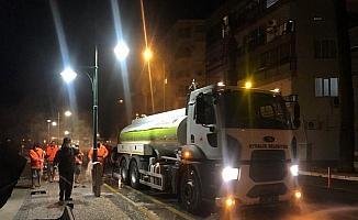 Ayvalık'ta Cadde ve sokaklarda Covid 19 temizlikleri bitmek bilmiyor