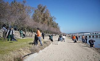 Baharı çevre temizliği yaparak karşıladılar