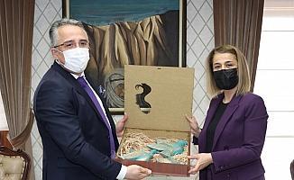 Belediye Başkanı Savran'dan, Vali Becel'e 8 Mart ziyareti