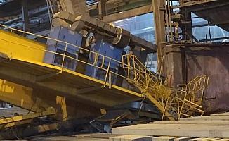 Düşen vinç kabininin altında kalan işçi hayatını kaybetti