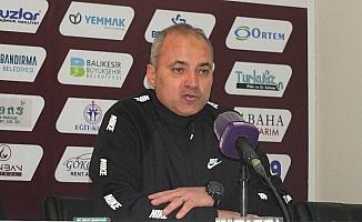 """Erkan Sözeri: """"Futbolcularımız bugün güzel bir isyan etti"""""""
