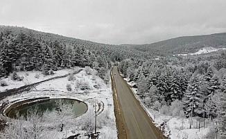 Karabük'te Mart ayında kar yağışı etkili oldu, ormanlar beyaz örtüyle kaplandı