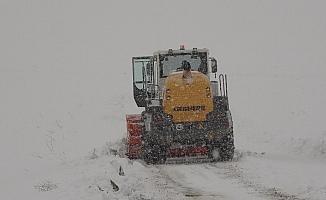 Muş'ta 221 köy yolu ulaşıma açıldı